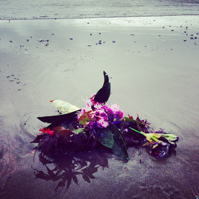 memorial-flowers-beach-Wendy